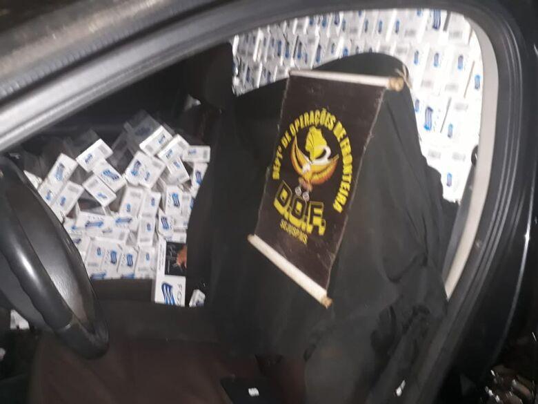 Veículo estava completamente lotado com o contrabando - Crédito: Divulgação/DOF