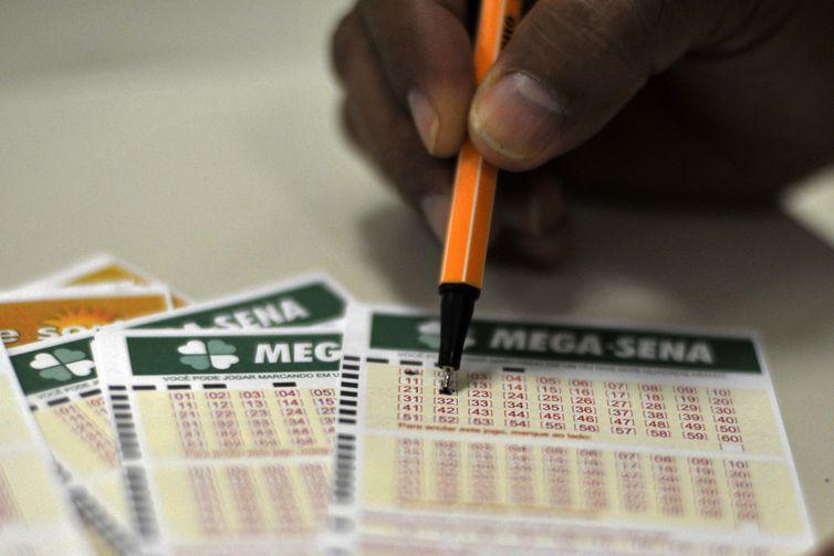 Apostadores podem fazer os seus jogos até as 19h (horário de Brasília) - Crédito: Marcello Casal Jr./Agência Brasil