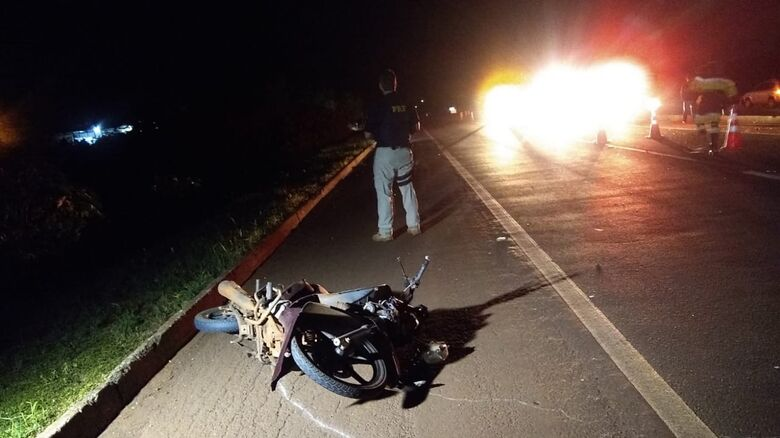 Acidente aconteceu por volta das 3h desta sexta-feira - Crédito: Cido Costa