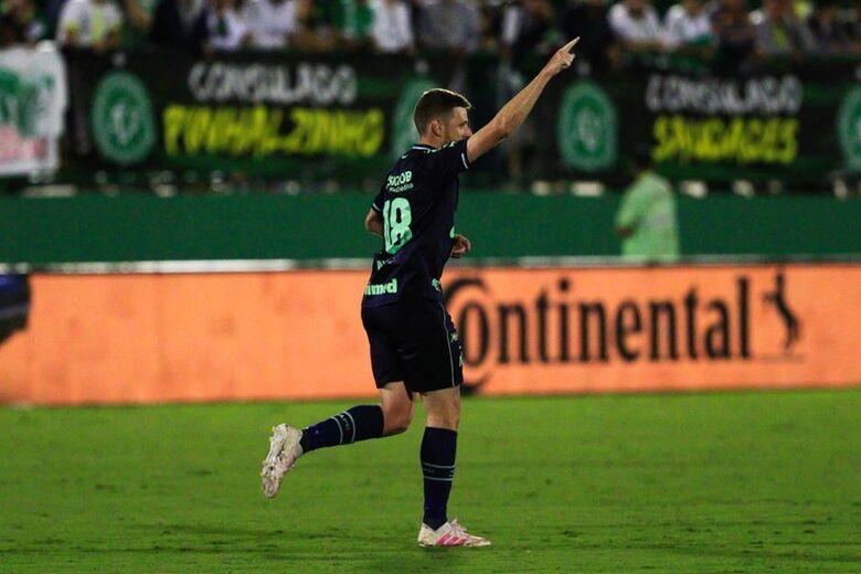 Único gol foi marcado ainda no primeiro tempo por Aylon - Crédito: Márcio Cunha/ACF