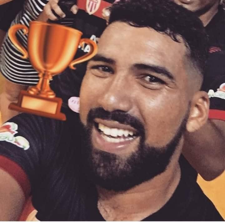Renan jogou profissionalmente pelo time de Rio Brilhante - Crédito: Arquivo Pessoal