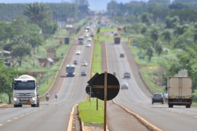 Estradas devem ficar movimentadas até domingo - Crédito: Hedio Fazan