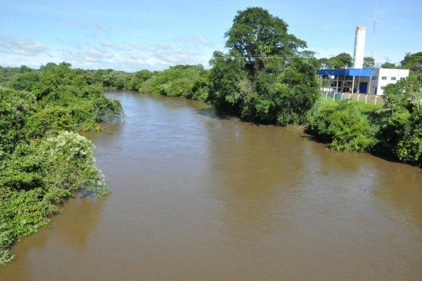 Rio Dourados abastece o município através da Sanesul - Crédito: Hedio Fazan