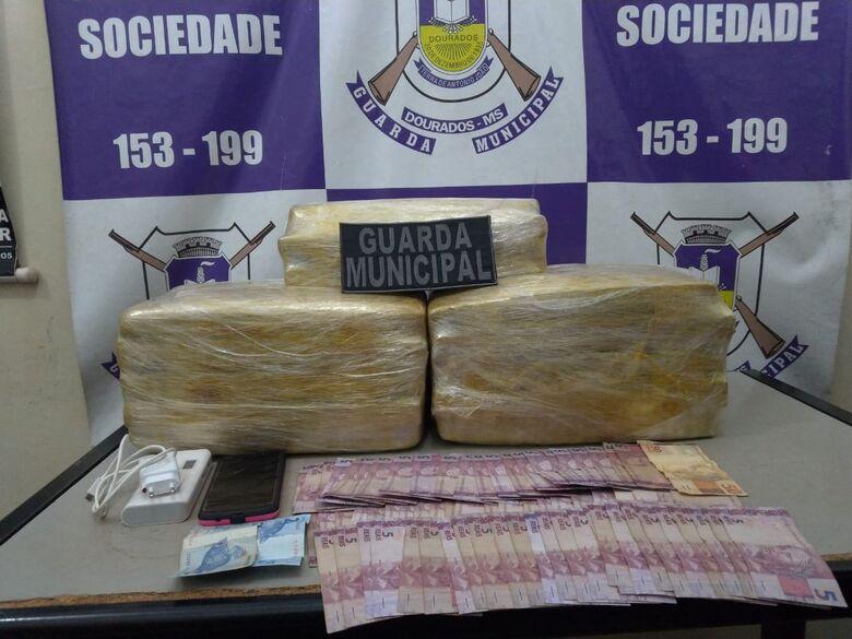 Droga apreendida na noite desta sexta-feira pela Guarda Muncipal - Crédito: Divulgação/GMD