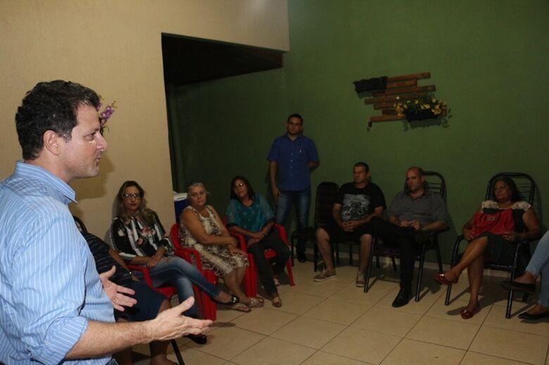 Deputado Renato Câmara se reuniu com moradores do Canaã 3 e da região do Campo Dourado para debater diversas ações de melhorias para os bairros de Dourados - Crédito: Divulgação