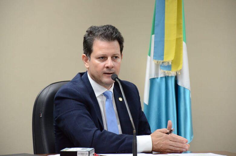 Deputado Renato Câmara solicitou recursos federais para execução das obras de duplicação de um trecho de 10 quilômetros da rua Coronel Ponciano - Crédito: Toninho Souza