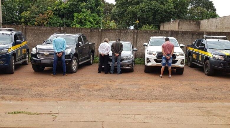 Veículos tinham registro de roubo no último final de semana - Crédito: Divulgação/PRF