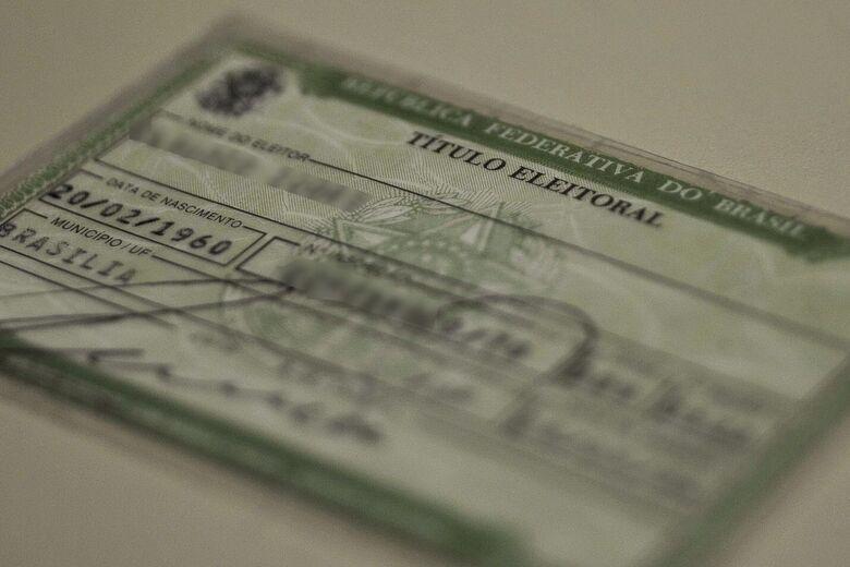 É preciso pagar as multas pelas ausências e ir a um cartório eleitoral - Crédito: Arquivo/Marcello Casal Jr/Agência Brasil