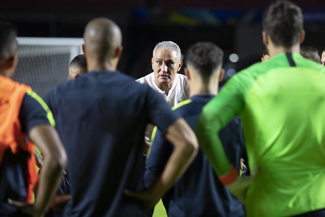 Tite tenta conquistar seu primeiro título com a seleção brasileira - Crédito: Lucas Figueiredo/CBF