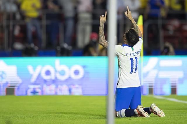 Coutinho marcou duas vezes na estreia - Crédito: Lucas Figueiredo/CBF