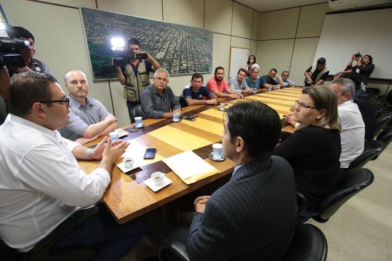 Promotores do MP/MS estiveram na Casa, em fevereiro, para entrega de documentos do processo de investigação - Crédito: Thiago Morais