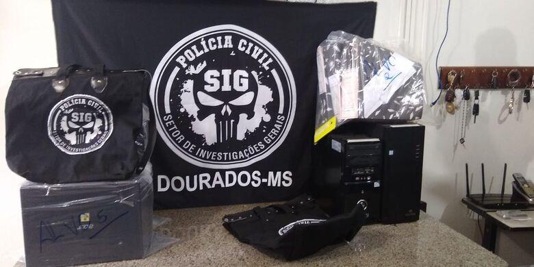 Policiais também apreenderam documentos durante a ação que aconteceu em Dourados e Rio Brilhante - Crédito: Cido Costa