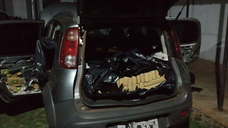 Veículo parado pela Guarda Municipal estava carregado com tabletes de maconha - Crédito: Divulgação/GMD