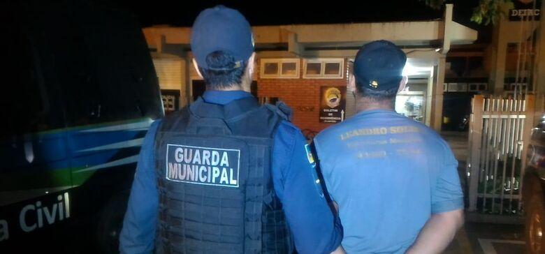 Homem foi encontrado pelos guardas municipais durante rondas na noite de terça-feira - Crédito: Divulgação/GMD