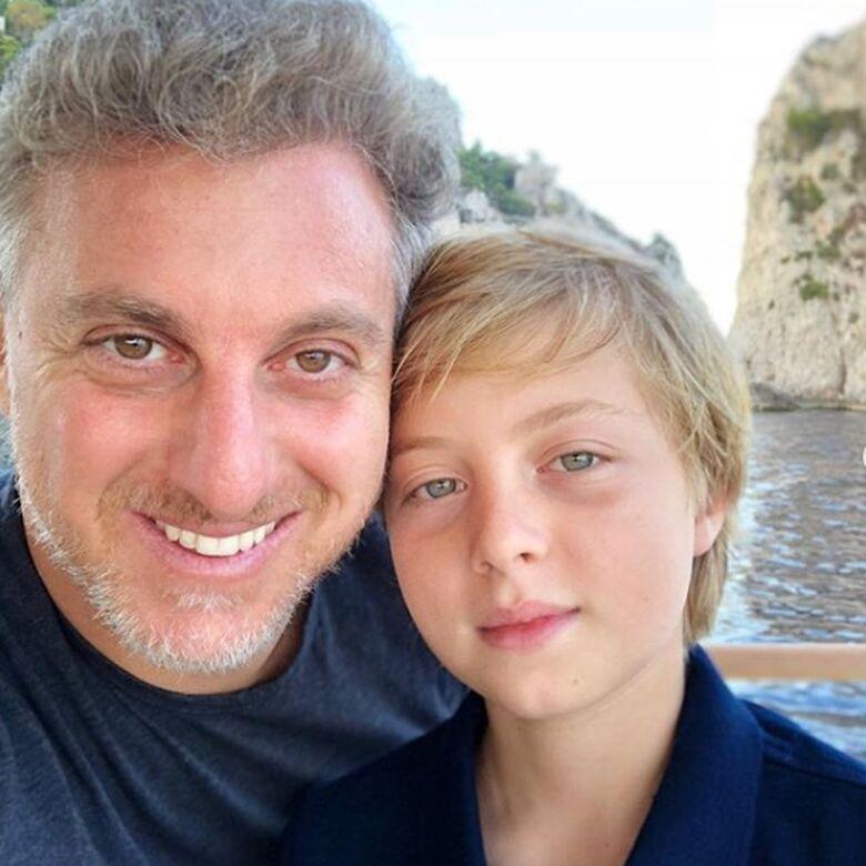 Luciano Huck e Benício em foto postada pelo apresentador para homenagear os 11 anos do filho - Crédito: Reprodução/Redes Sociais Luciano Huck
