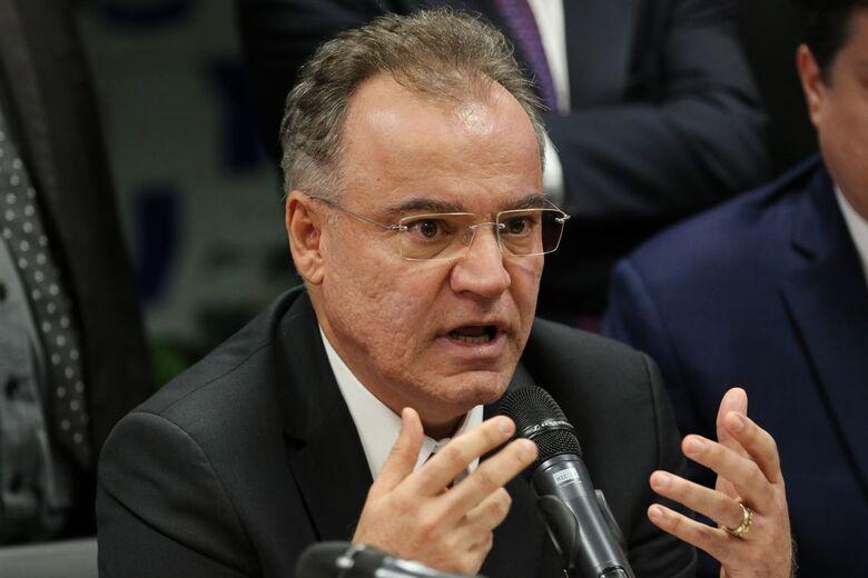 Voto do relator aumenta tempo mínimo para trabalhador urbano - Crédito: Fabio Rodrigues Pozzebom/Agência Brasil