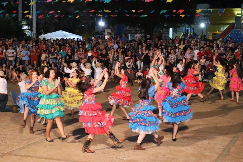 Concurso da dança da quadrilha foi uma das atrações da Festa Junina de Dourados - Crédito: A.Frota