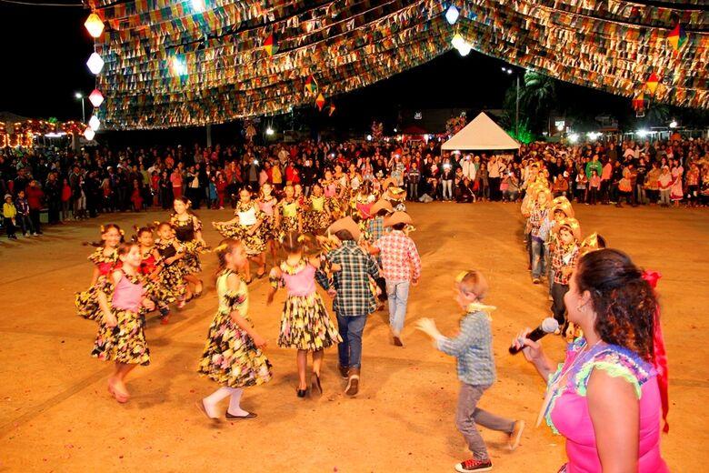 Prefeitura espera por um bom público nos três dias de festa na praça - Crédito: Divulgação/PMD