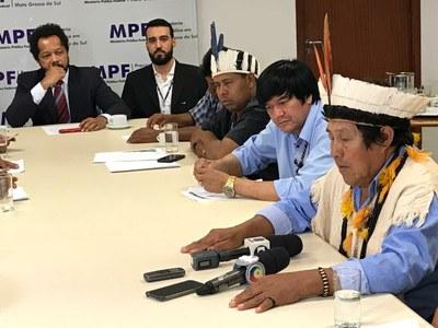 Representantes do MPF e lideranças indígenas reuniram-se com o secretário de Estado de Governo para discutir a temática - Crédito: Ascom MPF/MS