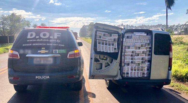 Veículo carregado com o cigarro - Crédito: Divulgação/DOF