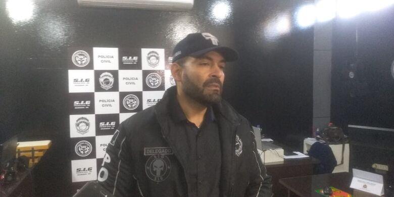 Delegado contou a versão apresentada pelo autor dos disparados e os próximos passos da ocorrência - Crédito: Cido Costa