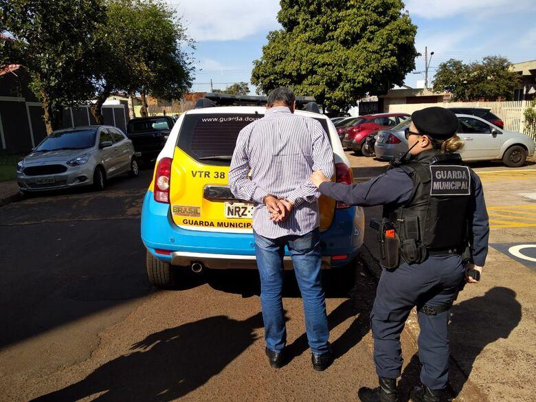 Homem tinha um mandado de prisão em aberto pelo mesmo crime - Crédito: Cido Costa/Dourados Agora