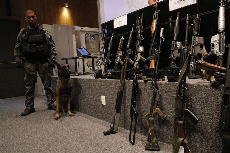 Segundo Witzel, foi a maior apreensão de armas e drogas da história - Crédito: Fernando Frazão/Agência Brasil