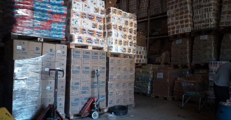 Produtos  impróprios para o consumo foram retirados - Crédito: Divulgação/Procon