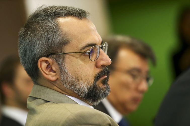 O ministro da Educação, Abraham Weintraub, durante apresentação do Compromisso Nacional pela Educação Básica, hoje, em Brasília - Crédito: Marcelo Camargo/Agência Brasil