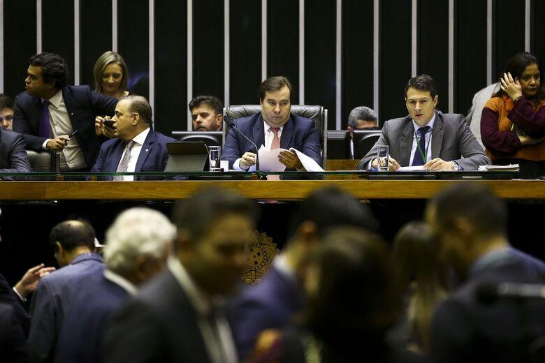 A expectativa do presidente da Casa, Rodrigo Maia (DEM-RJ), é encerrar o primeiro turno ainda nesta sexta-feira - Crédito: Marcelo Camargo/Agência Brasil