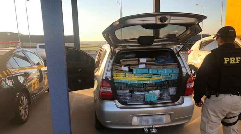 Carro estava abarrotado com equipamentos eletrônicos - Crédito: Divulgação/PRF