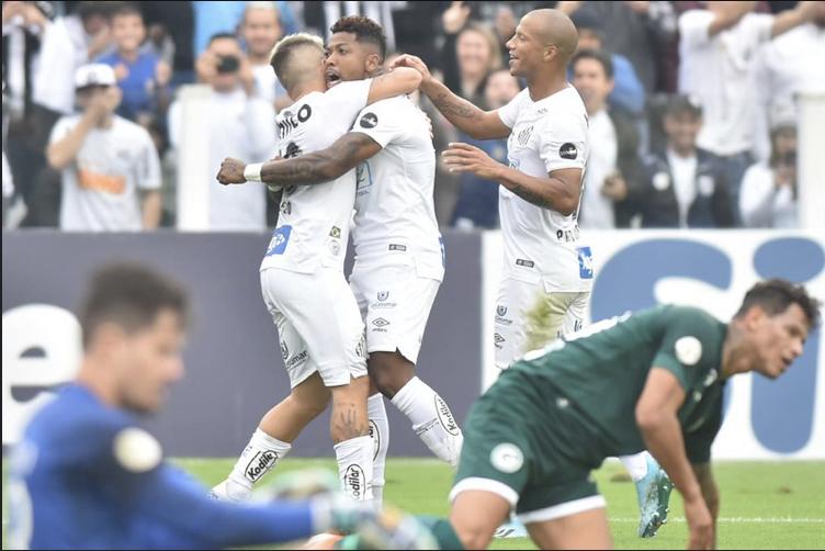 Santos segue na ponta da tabela - Crédito: Ivan Storti