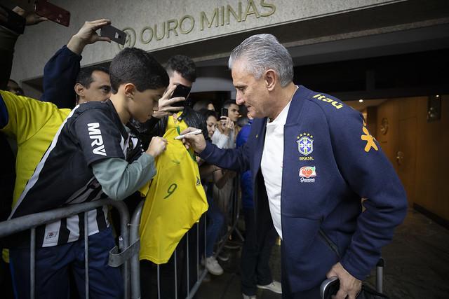 Torcedores conhecerão lista de jogadores que participarão dos próximos compromissos com a Amarelinha - Crédito: Lucas Figueiredo/CBF