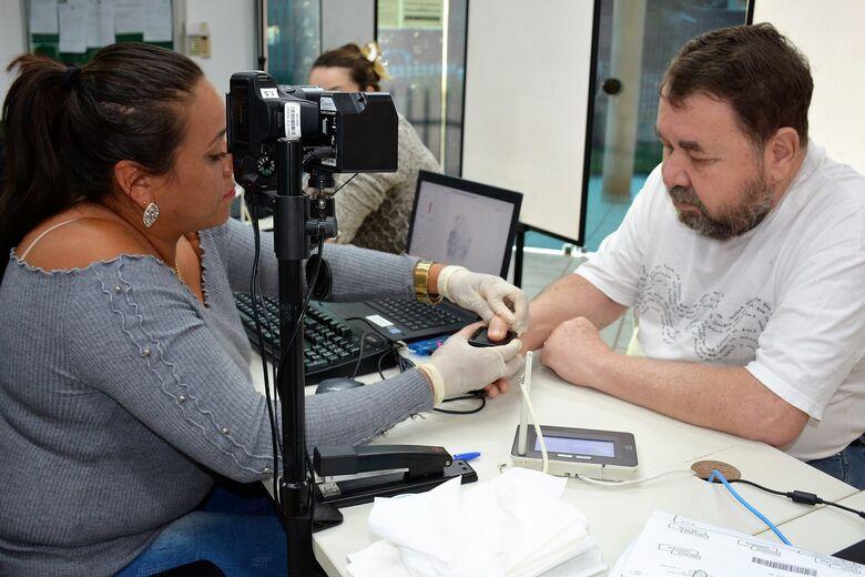 Eleitores de Dourados tem até 27 de março para realizar a biometria - Crédito: Hédio Fazan