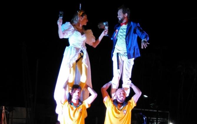 O Circo Le Chapeau e o Sucata Cultural apresentam o divertido espetáculo ''Banana'' neste domingo (11) às 18h - Crédito: Divulgação
