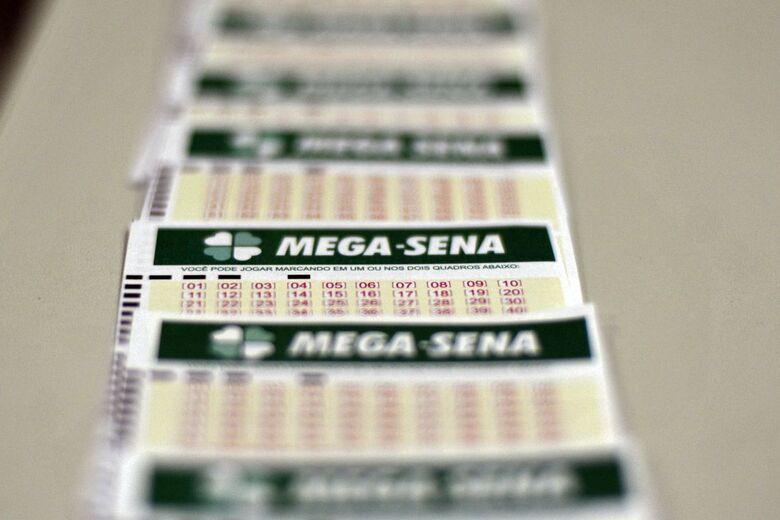 Mega-Sena pagará hoje prêmio de R$ 47 milhões - Crédito: Marcello Casal Jr./Agência Brasil