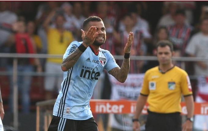 Daniel Alves marca na estreia, e São Paulo vence o Ceará no Morumbi - Crédito: Rubens Chiri/saopaulofc.net