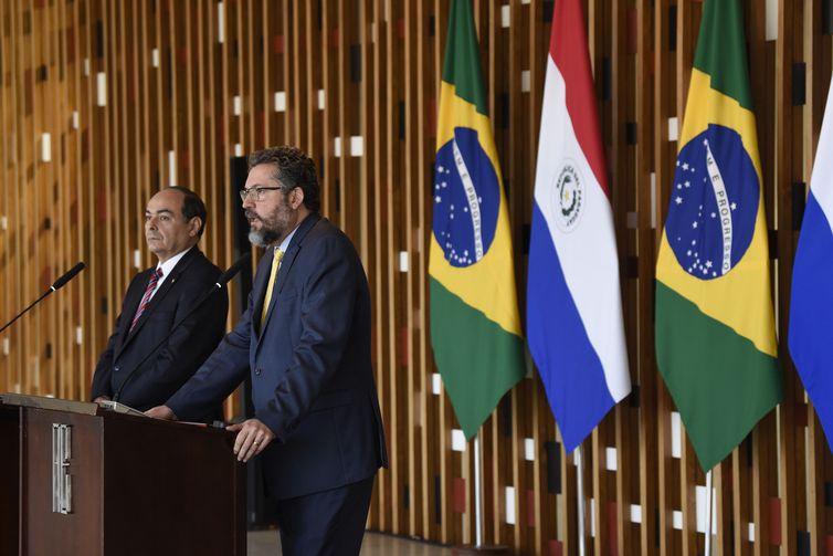Os chanceleres do Paraguai, Antonio Rivas Palacios, e do Brasil, Ernesto Araújo, durante encontro no Itamaraty - Crédito: Dammer Martins/MRE