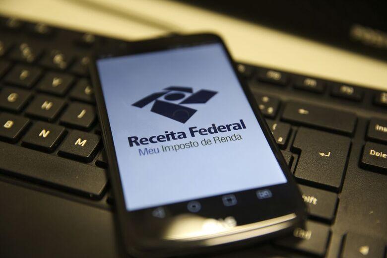 Contribuinte pode consultar hoje 4º lote de restituição do IR - Crédito: Marcello Casal JrAgência Brasil
