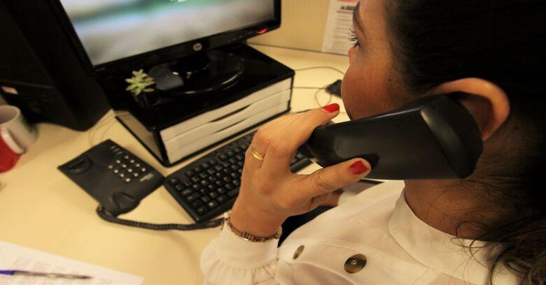 Operadora de TV e telefone não poderá cobrar multa de desempregado - Crédito: Saul Schramm