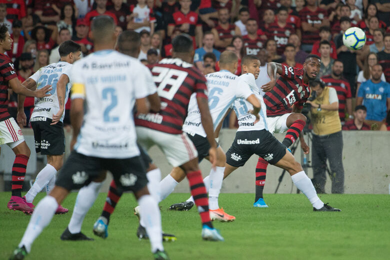 Flamengo e Grêmio decidem hoje quem vai à final da Libertadores - Crédito: Alexandre Vidal / Marcelo Cortes / Flamengo