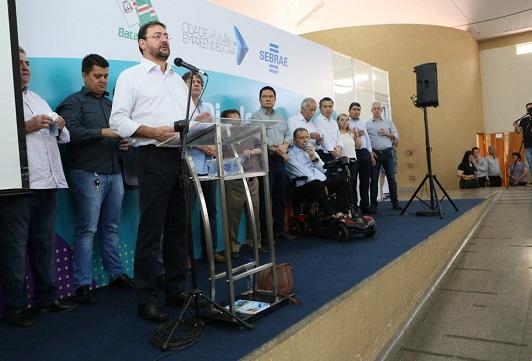Presidente do Conselho Deliberativo do Sebrae e presidente da Fiems, Sérgio Longen, faz anúncio de novas oportunidades para empresários - Crédito: Sebrae