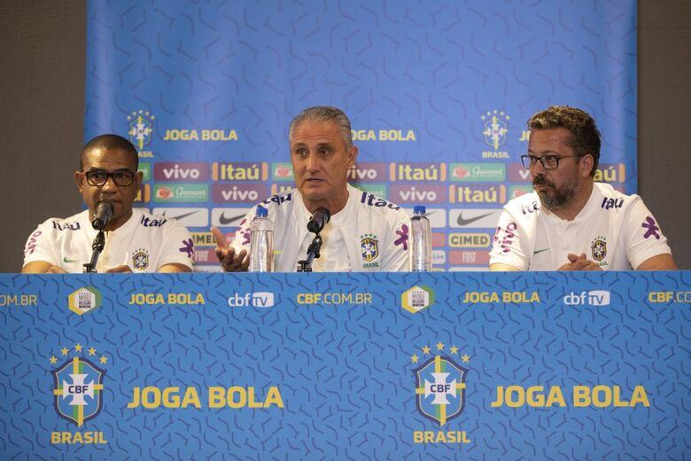 Tite confirma titulares e mostra preocupação com Mané - Crédito: Lucas Figueiredo/CBF