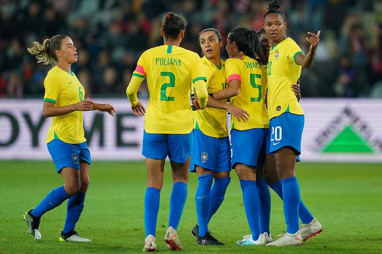 Seleção feminina vence a Polônia e segue invicta sob comando de Pia - Crédito: Daniela Porcelli/CBF