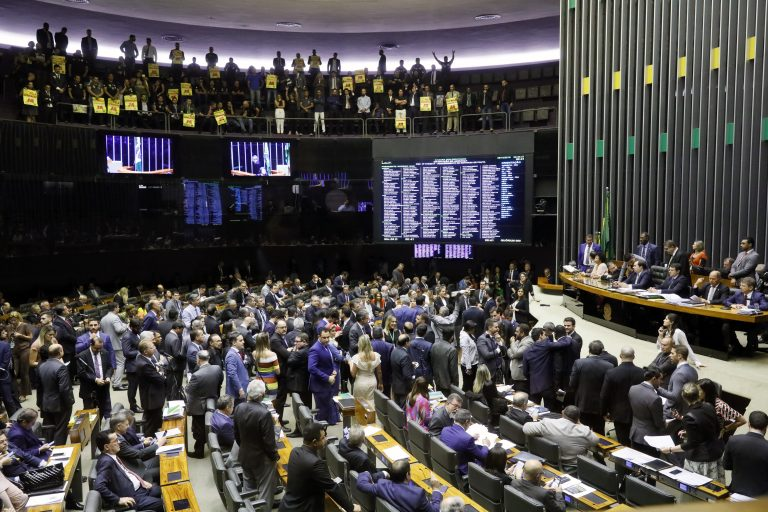 Manifestantes favoráveis à proposta acompanharam a votação nas galerias do Plenário - Crédito: Luis Macedo/Câmara dos Deputados