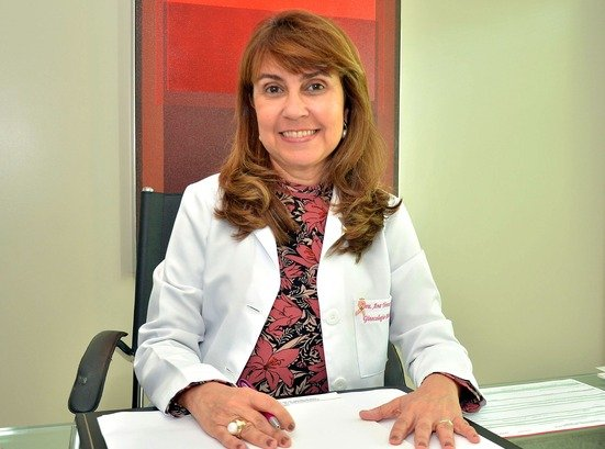 Dra. Ana Tereza Gusmão de Lúcia, mastologista - Crédito: divulgação