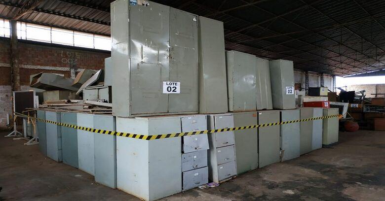 Governo promove leilão com 10 lotes de mobiliário - Crédito: Divulgação