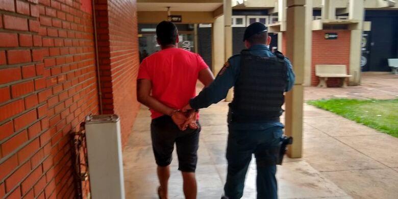 A operação está em andamento e um homem foi preso até agora - Crédito: Cido Costa