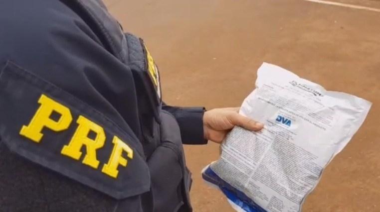 Foram contabilizados aproximadamente 6 mil sacos com defensivos agrícolas - Crédito: Divulgação