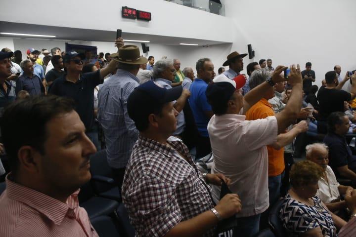 Produtores dividiram plenário com servidores estaduais para protestar - Crédito: Marcos Ermínio, Midiamax